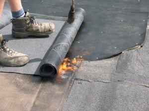bitumen leggen met brander