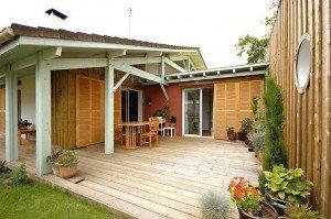 houten terras onder veranda